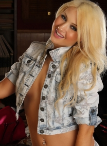 Beautiful Ashlie Shows Off Her Tight Body In Just A Jean Jacket And Tight White Thong - Picture 1