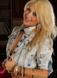 Beautiful Ashlie Shows Off Her Tight Body In Just A Jean Jacket And Tight White Thong - Picture 3